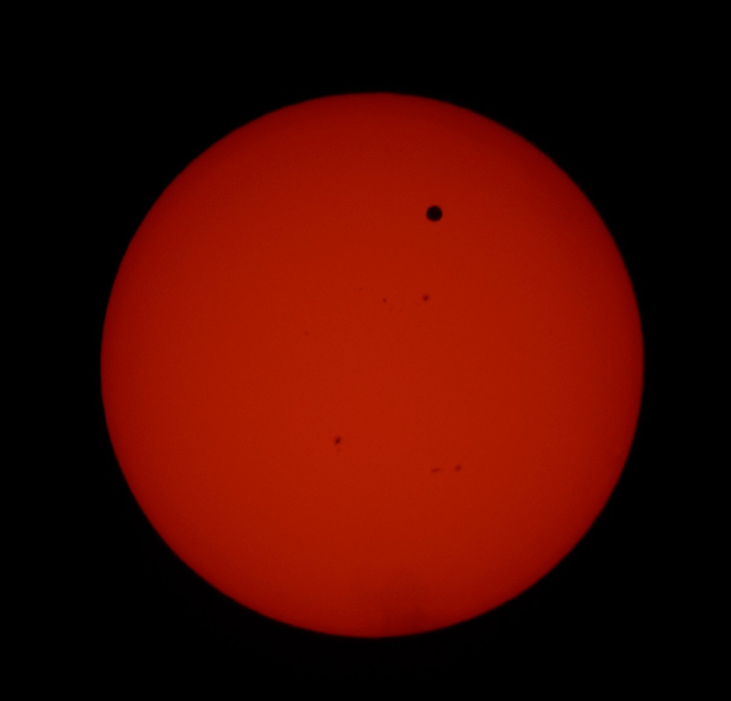 Venus Transit of Sun at Port Alberni with solar filter2