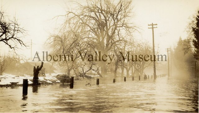 Interesting 1935 Historic Flooding Photos in AVTimes